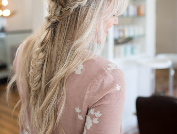 a messy, loose, boho braid // braid tutorial // easy, loose fishtail hair style tutorial