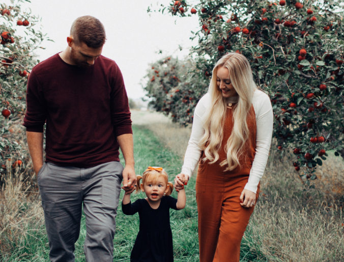 apple orchard family pictures / positively oakes / jess oakes