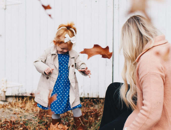 kid to kid anniversary sale / resale gear and clothes for babies and kids on a budget / cute kid style and mommy and me fall photos