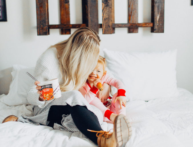 Tai Pei on the go lunch // on the go busy life meals and tips and tricks for the modern mom and family