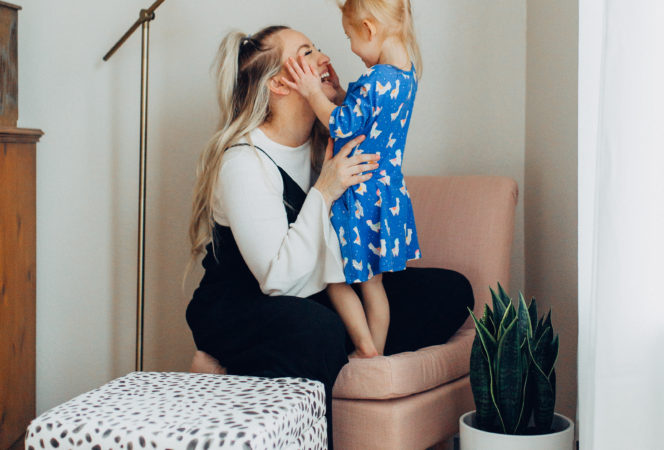 motherhood pictures / photo of mom and daughter positively oakes jess oakes