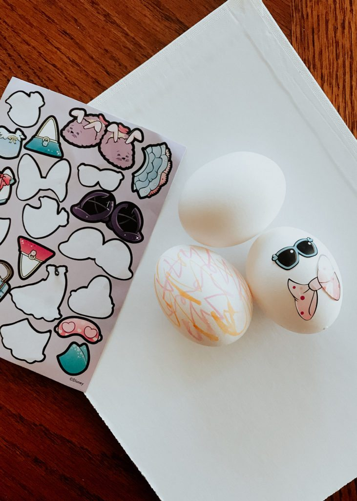 The perfect toddler and kids easter egg decorating ideas with Berenstain Bears! #BerenstainBearsEaster #ad
