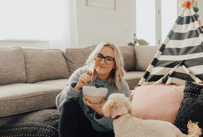 motherhood / mommy daughter pictures / affordable glasses that are cute and last! Cheap glasses for every occassion and face shape / how to style glasses