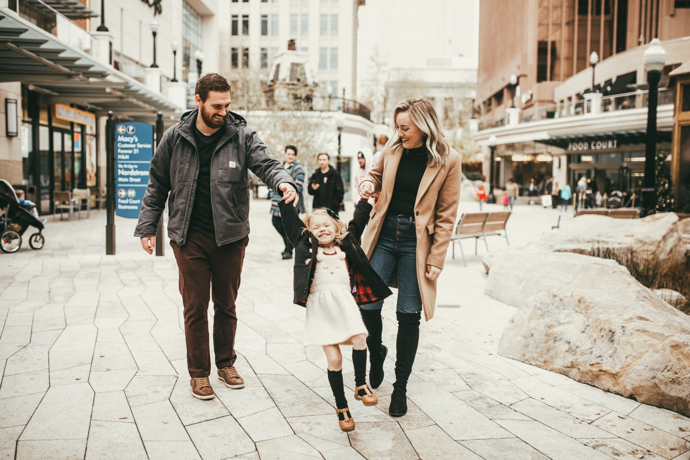 city creek shop and stay weekend in salt lake city utah with hilton // shop and stay / best places to stay in salt lake city and do in utah with families and kids and a girl's trip